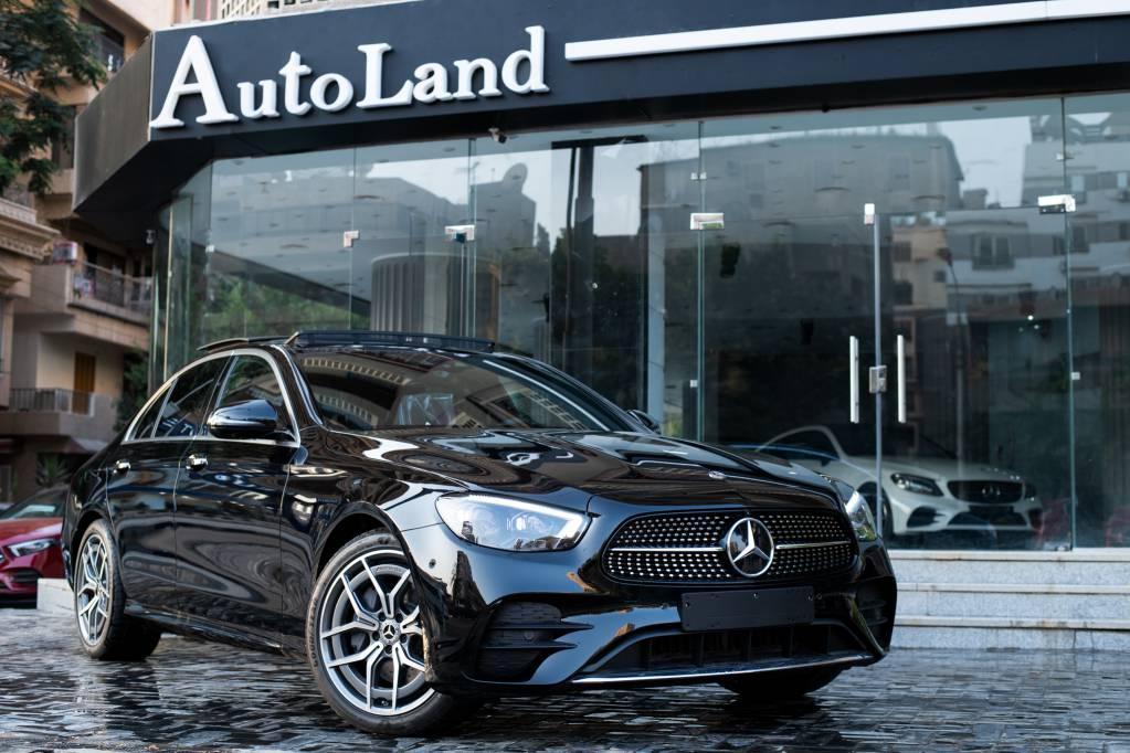 Mercedes E200  black AMG