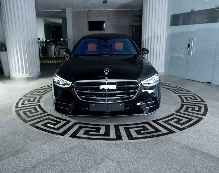 Mercedes S500 L black